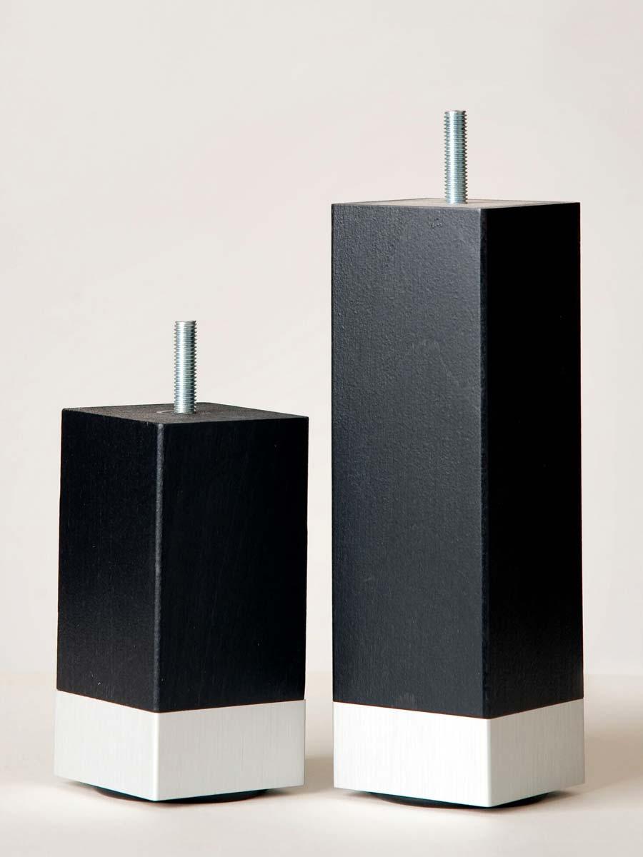sängben svart trä med aluminiumfot